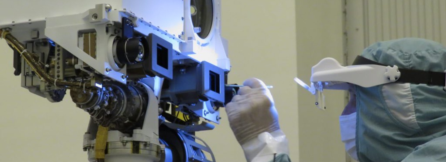 Cleaning of the Mastcam-Z cameras prior to stowing for launch